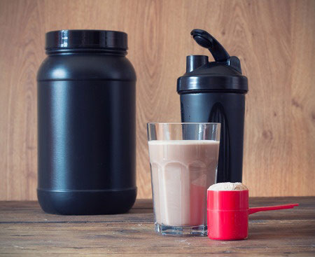 A Great Primer on How to Pick the Right Meal Replacement Shake for You